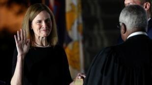 Amy Coney Barrett prête serment à la Maison Blanche le 26 octobre 2020.