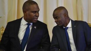 Le Premier ministre haïtien Jean-Henry Céant (à gauche) au côté du président Jovenel Moïse, en septembre 2018.