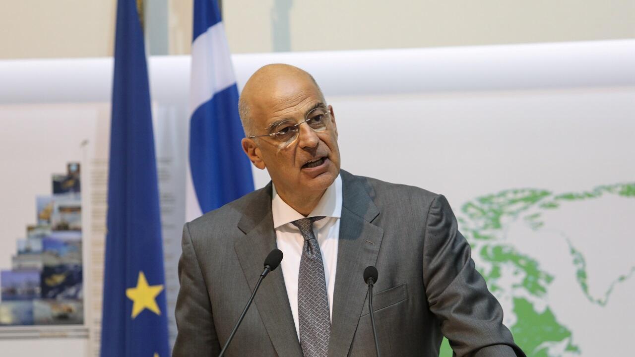 وزير الخارجية اليوناني نيكوس ديندياس خلال مؤتمر صحفي في وزارة الخارجية في نيقوسيا. قبرص في 18 أغسطس/آب 2020.