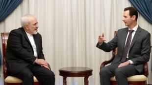 Le ministre iranien des Affaires étrangères Mohammad Javad Zarif et le président syrien Bachar al-Assad, le 12 août 2015 à Damas.