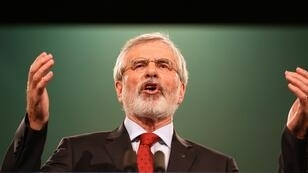 زعيم حزب شين فين القومي الإيرلندي الشمالية جيري آدامز 18 تشرين الثاني/نوفمبر 2017