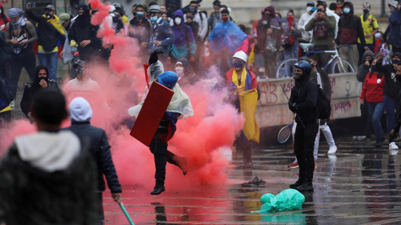 Colombians return to streets after week of deadly anti-government protests