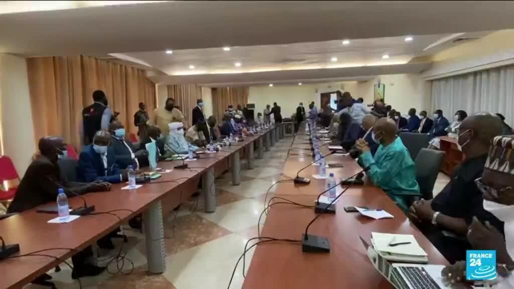 2021-09-09 10:01 Coup d'État militaire en Guinée : la Cédéao suspend la Guinée après le putsch