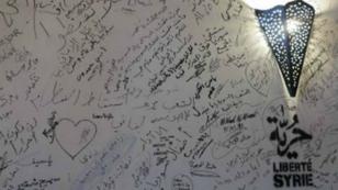 Mur du Bistrot syrien de Paris