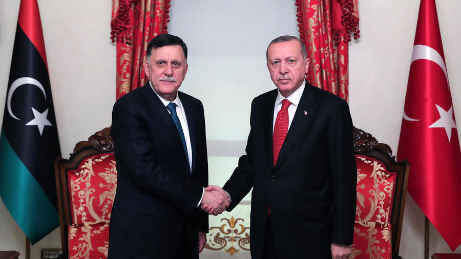 لقاء جمع أردوغان والسراج في أنقرة.