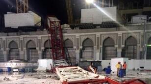 صورة من حادثة سقوط الرافعة في الحرم المكي في 11 أيلول/سبتمبر 2015