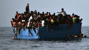 En 2016, plus de 3 300 personnes sont mortes en tentant de rejoindre l'Europe par la Méditerranée.