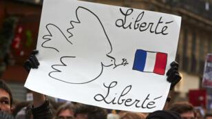 Pancarte dans une manifestation à Paris après l'attentat contre Charlie Hebdo.