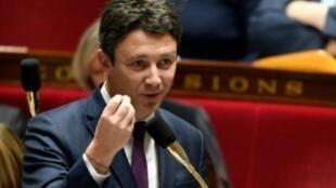 المتحدث باسم الحكومة الفرنسية بنجامان غريفو في باريس في 28 اذار/مارس 2018