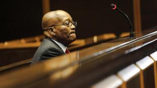 El expresidente sudafricano Jacob Zuma aparece en el Tribunal Superior de Pietermaritzburg, Sudáfrica, el 27 de julio de 2018.