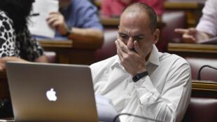 Yanis Varoufakis au cours d'une réunion au Parlement grec, le 10 juillet 2015.