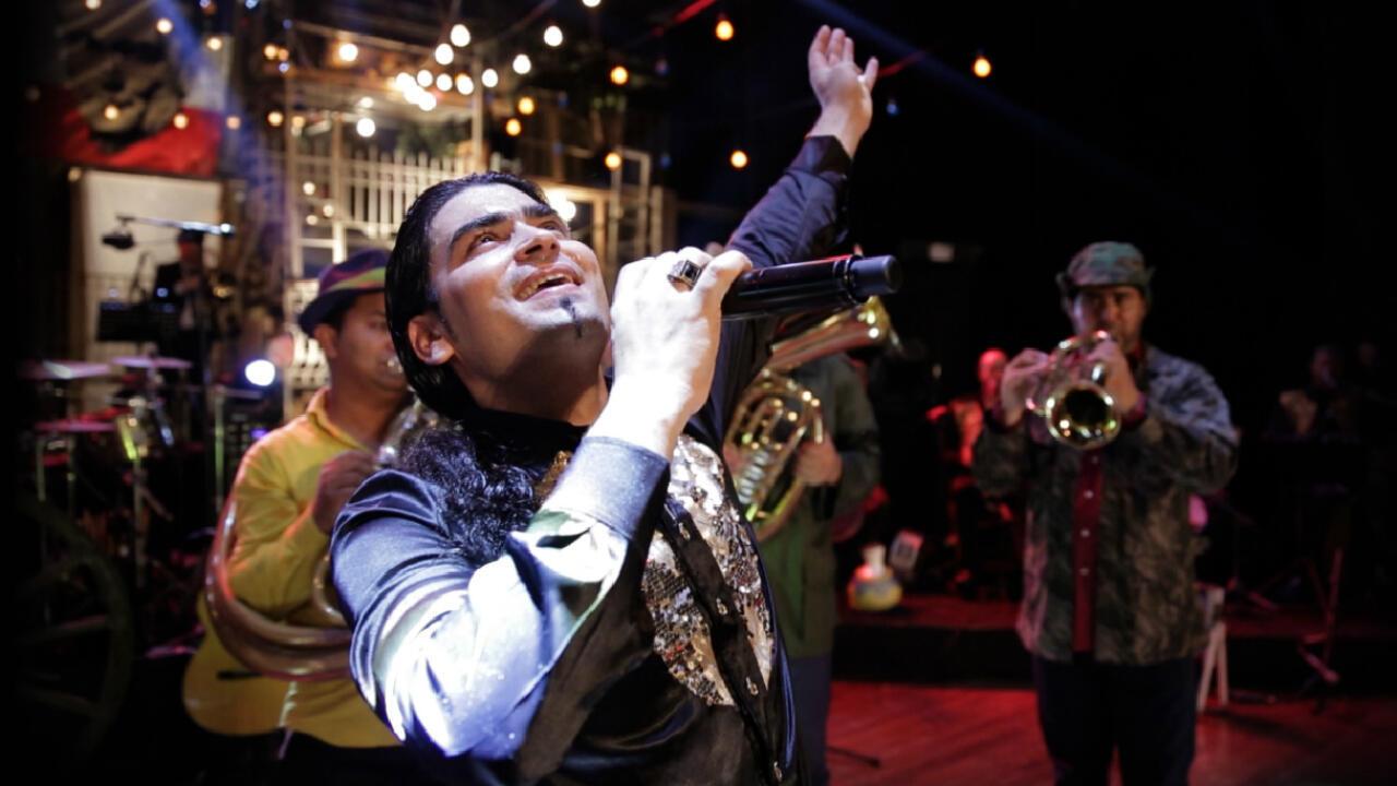 Bilal lors de l'une de ses représentations sur la scène du MusicHall au Liban.