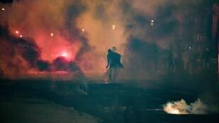 """أعمال عنف في محيط ملعب """"بارك دي برانس"""" في باريس الأحد"""