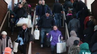 La consommation des ménages américains a joué un rôle fondamental dans la hausse de la croissance au dernier trimestre 2014.