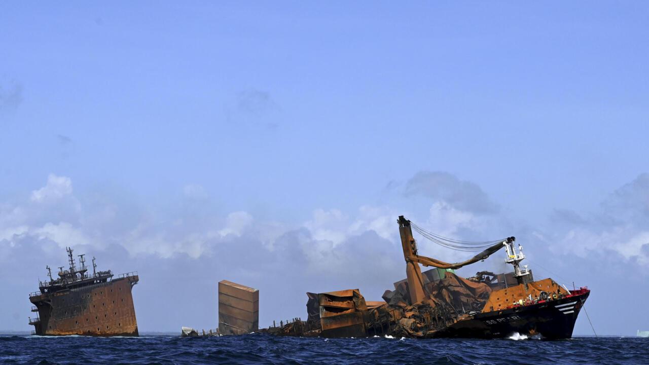 Sri Lanka recovers black box from sinking ship, aborts dive - France 24