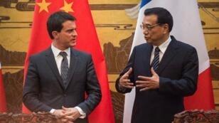 Manuel Valls, le chef du gouvernement français, et son homologue chinois, Li Keqiang.
