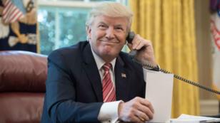 """Donald Trump a affirmé n'avoir """"aucun problème"""" avec l'idée de s'entretenir avec Kim Jong-un par téléphone."""