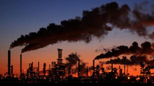 Naciones Unidas publicó este viernes el primero de dos informes que revisan el nivel de ambición para reducir las emisiones globales que tienen las partes del Acuerdo de París, el compromiso mundial más contundente para limitar el aumento de la temperatura global de aquí a finales de siglo por debajo de los 2 grados.