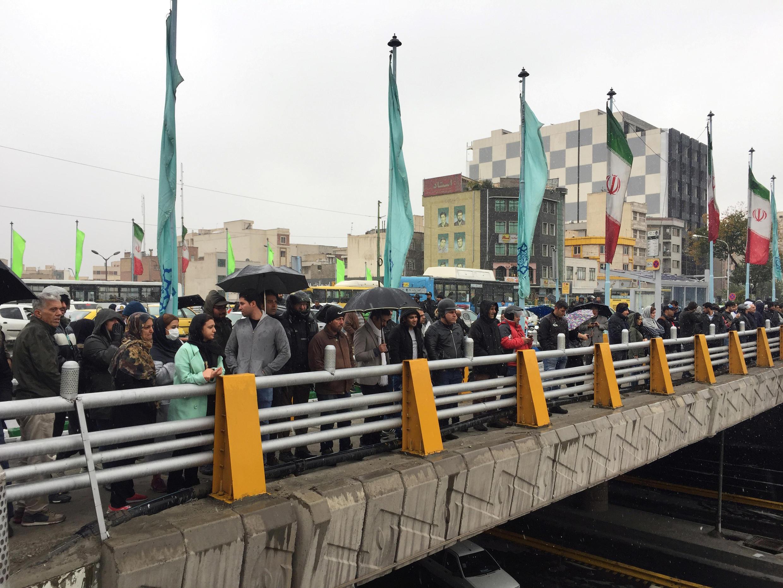 وقفة احتجاجية صامتة للتنديد بارتفاع أسعار الغاز في طهران، إيران، 16 نوفمبر/ تشرين الثاني 2019