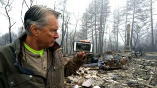85 muertos, 18 000 edificios destruidos, más de 62 000 hectáreas devastadas por las llamas y un coste astronómico: 14 mil millones de euros.