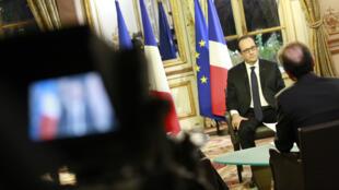 François Hollande, le 27 novembre, répond aux questions des journalistes de France 24, RFI et TV5 Monde.