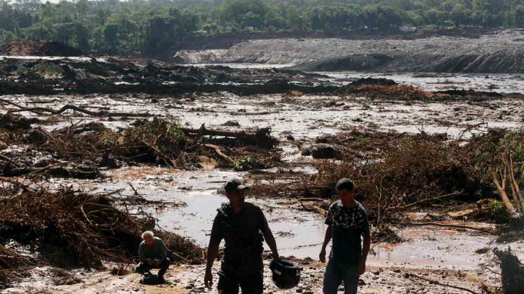 Vista del desastre causado por la rotura de una represa que contenía residuos minerales de la compañía Vale, en el barrio Casa Blanca, en Brumadinho, municipio de Minas Gerais al sudeste de Brasil, el 25 de enero de 2019.