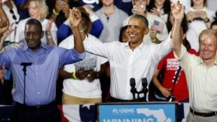 الرئيس الأمريكي السابق باراك أوباما برفقة المرشحين الديمقراطيين في ولاية فلوريدا