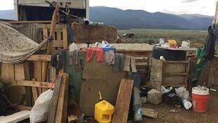 Un complejo rural de Nuevo México donde 11 niños fueron puestos bajo custodia de protección por su propia salud y seguridad después de un ataque de las autoridades, Amalia, Nuevo México, EE.UU., el 6 de agosto de 2018.