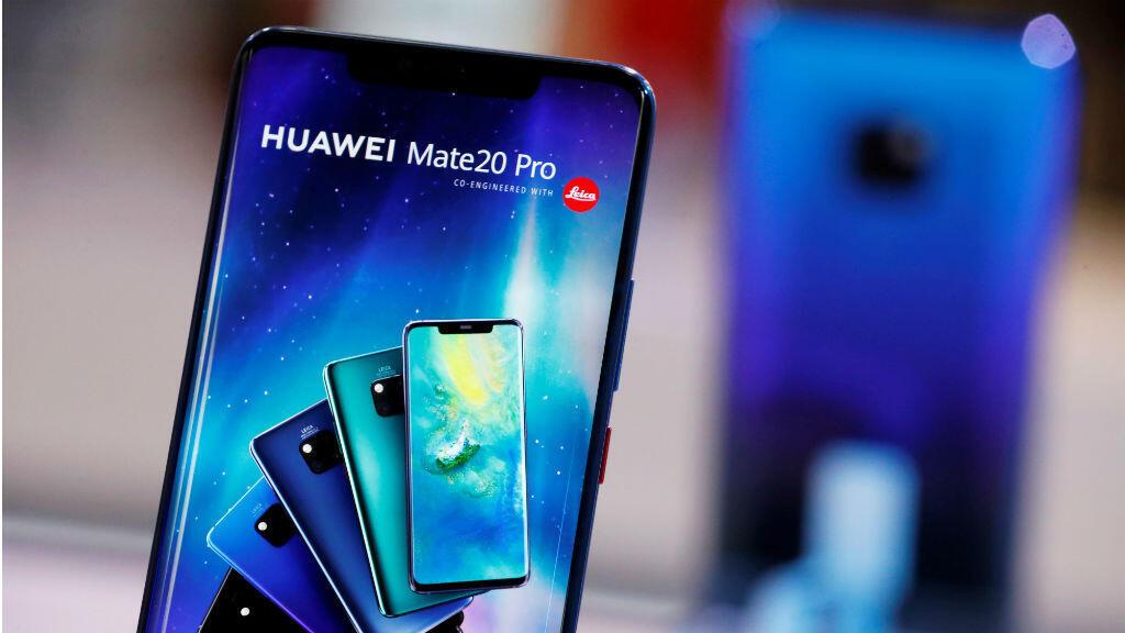 Huawei Mate 20 Pro aparece en el stand de la compañía durante el 'Electronics Show - International Trade Fair for Consumer Electronics' en Ptak Warsaw Expo en Nadarzyn, Polonia, 10 de mayo de 2019. Foto tomada el 10 de mayo de 2019.
