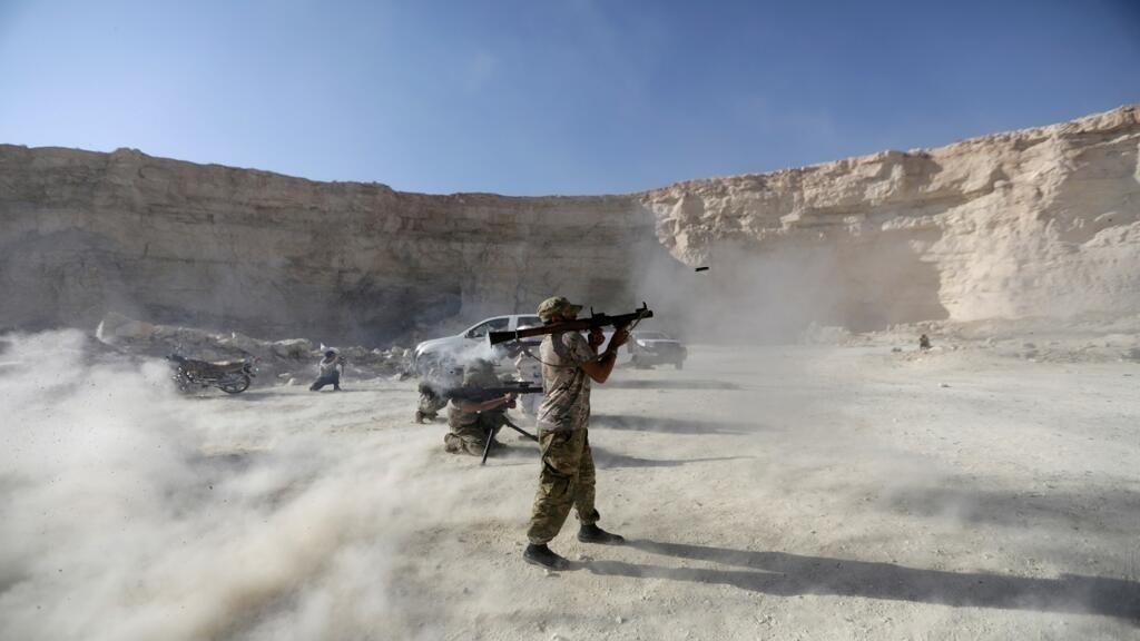 قوات النظام السوري تقتحم الجهة الشمالية الغربية لمدينة خان شيخون الاستراتيجية في ريف إدلب