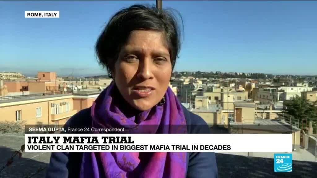 2021-01-13 13:11 Italy mafia trial: Hearing kicks off, over 320 people face crime charges