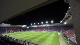 L'UEFA a levé la jauge de 30% de spectateurs dans les stades décidée en octobre dernier, laissant les autorités locales décider d'éventuelles limites, notamment en vue de l'Euro
