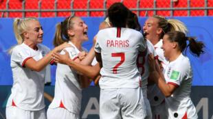 l'Angleterre s'est facilement imposée face au Cameroun (3-0) à Valenciennes, le 23 juin 2019.