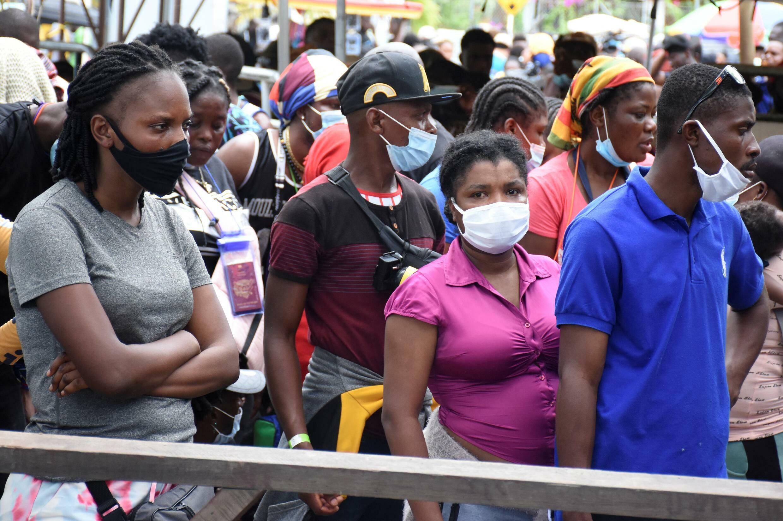 """Ombudsman colombiano pide """"plan de choque"""" en crisis migratoria en frontera  con Panamá - France 24"""