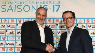 Andoni Zubizarreta, nouveau directeur sportif de l'Olympique de Marseille, accompagné du président Jacques Eyraud..