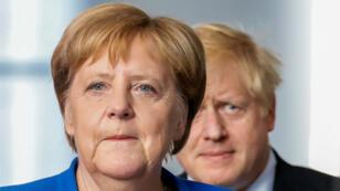 La canciller alemana, Angela Merkel, y el primer ministro británico, Boris Johnson, asisten a una conferencia de prensa en la Cancillería en Berlín, Alemania, el 21 de agosto de 2019.