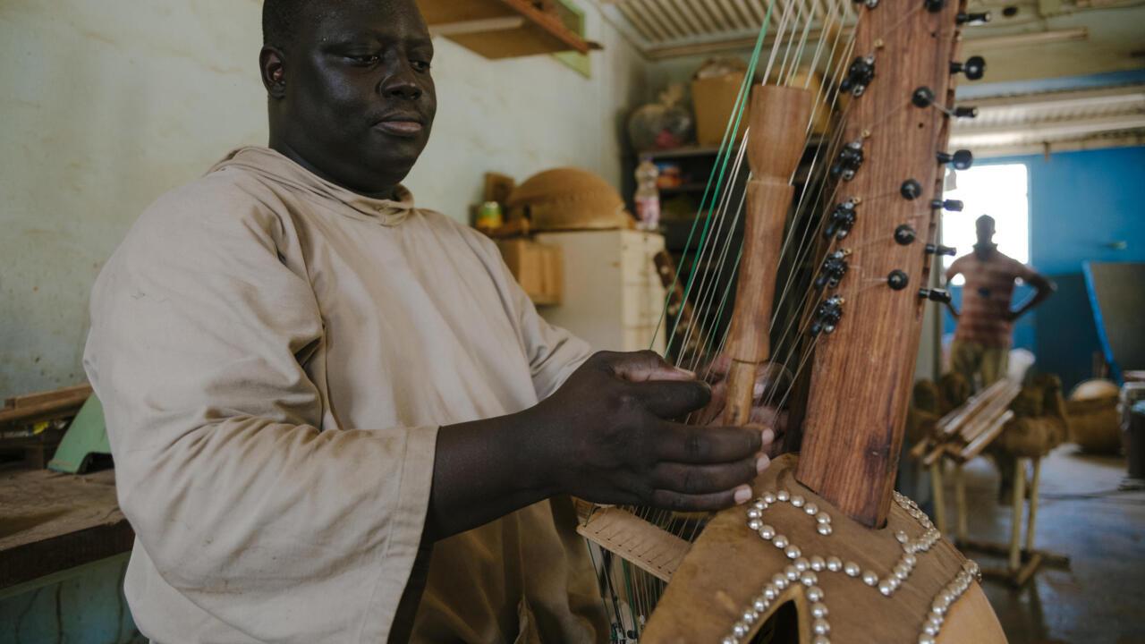 Senegalese monks seek God through kora music - France 24