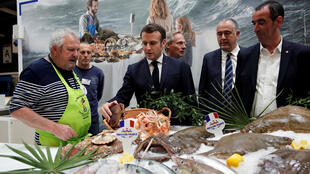 2020-02-22T192828Z_1236384727_RC2V5F9IRY15_RTRMADP_3_FRANCE-AGRICULTURE-SHOW-MACRON