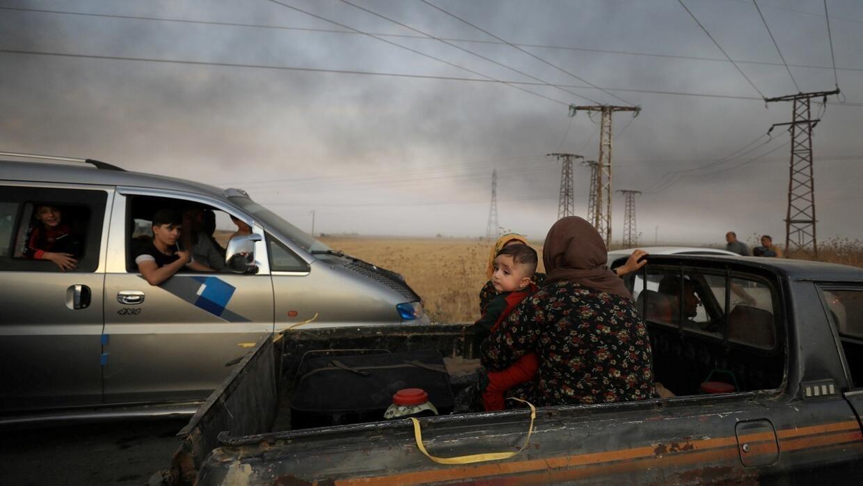 سوريا: نزوح كبير للمدنيين من مناطق الاشتباكات بين الفصائل الكردية والجيش التركي