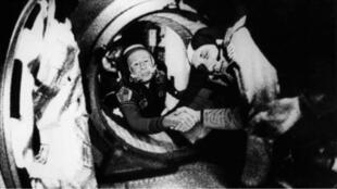 رائد الفضاء الروسي أليكسي ليونوف.
