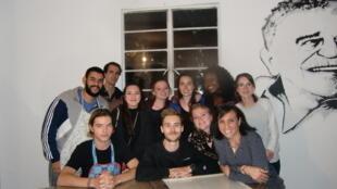 Estudiantes extranjeros en clase de español en América Latina