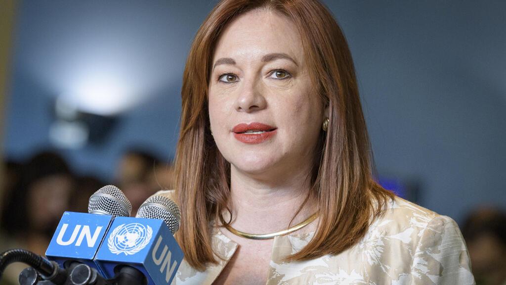 Fotografía cedida por la ONU donde aparece la canciller de Ecuador, María Fernanda Espinosa, presidenta electa del 73 ° período de sesiones de la Asamblea General de la ONU, hablando a los periodistas tras su elección.