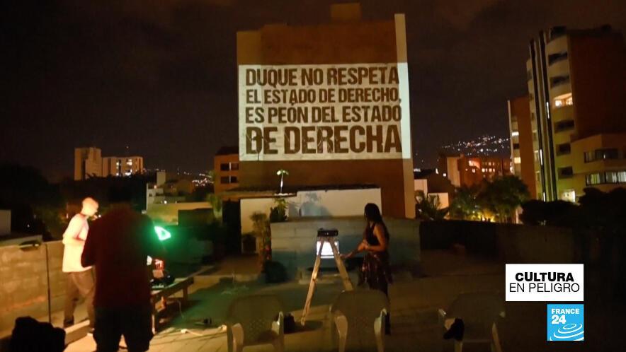 'La nueva banda de la terraza' también aborda críticas a la actual Administración del presidente colombiano Iván Duque.