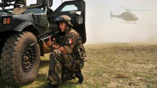 Un soldat français de l'opération Licorne, en Côte d'Ivoire, le 6 avril 2013.