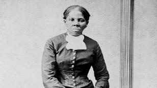 La militante anti-esclavagiste Harriet Tubman photographiée par H. B. Lindsley, entre 1860 et 1870.