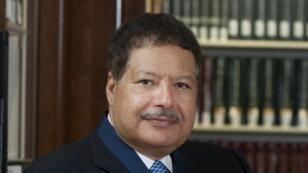 العالم المصري-الأمريكي الحائز على جائزة نوبل للكيمياء أحمد زويل