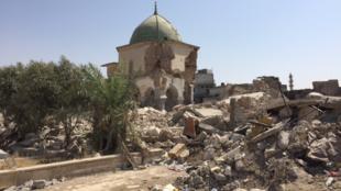 مسجد النوري الذي أعلن منه أبو بكر البغدادي خلافته، قبل سقوط جدرانه ودماره في معركة المدينة القديمة