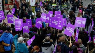 Manifestation pour lutter contre les violences sexuelles faites aux femmes, à Paris, le 24 novembre 2018.