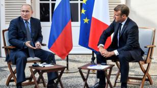 Le président russe Vladimir Poutine et le président français Emmanuel Macron au fort de Brégançon, le 19août2019.