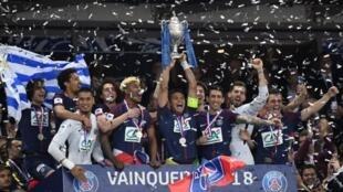 احتفال لاعبي باريس سان جيرمان بالفوز ببطولة فرنسا، 8 أيار/مايو 2018.